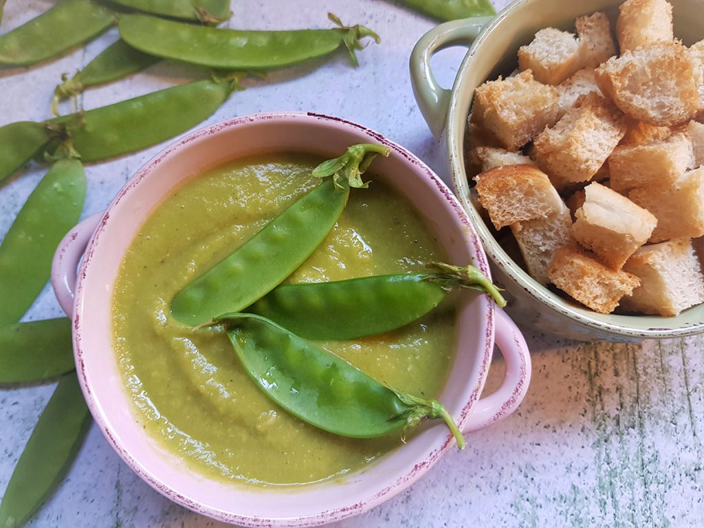 מרק קרם אפונה ירוקה מתכון