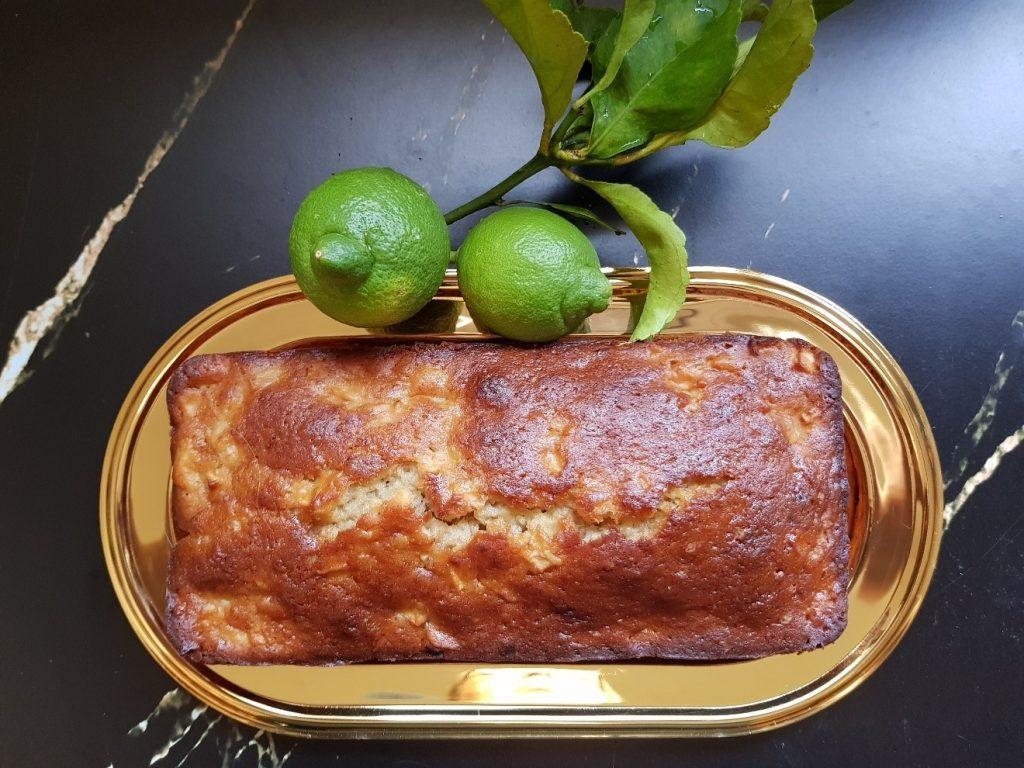 עוגת בננה עם תפוחים ולימון