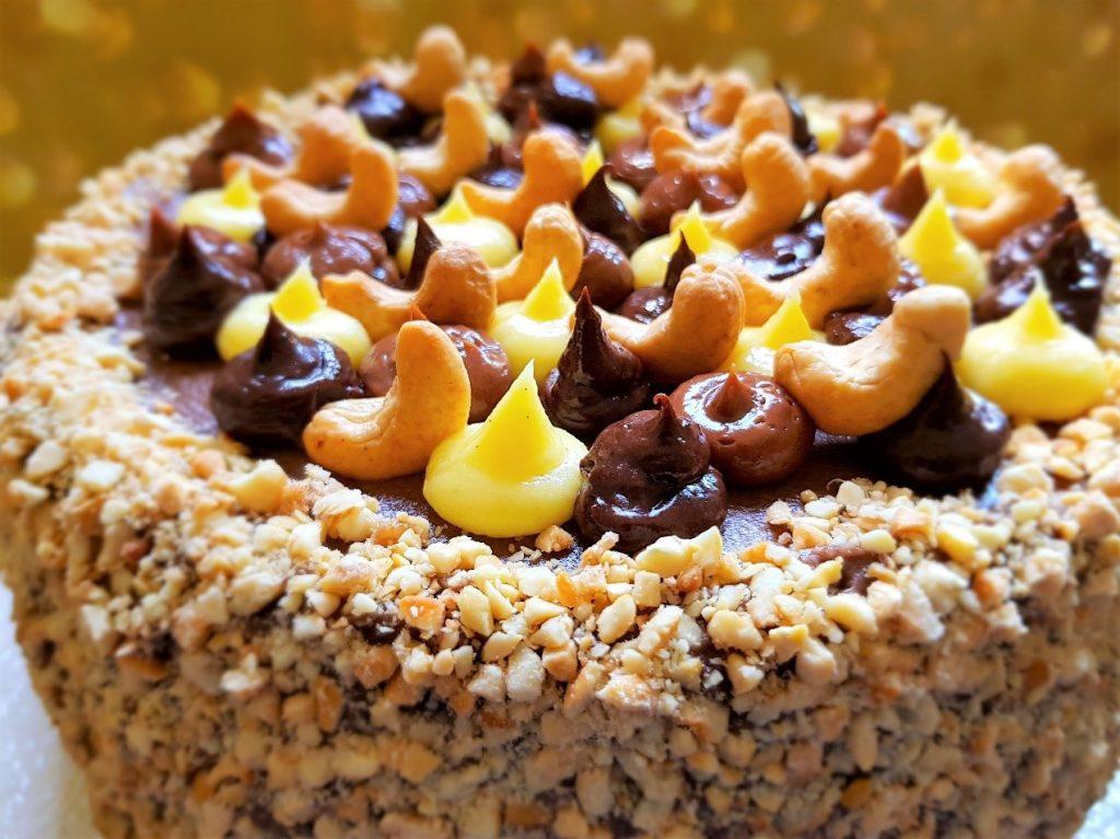 קייבסקי טורט - עוגת קשיו חגיגית ללא גלוטן